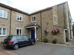 Flat To Let  COLLINGHAM West Yorkshire LS22