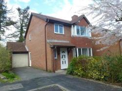 Detached House To Let  West End Hampshire SO30