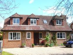 Detached House To Let  Cranleigh Surrey GU6