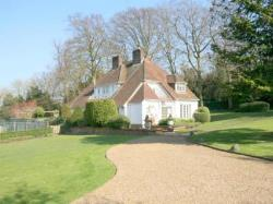Detached House To Let  Epsom Downs Surrey KT17