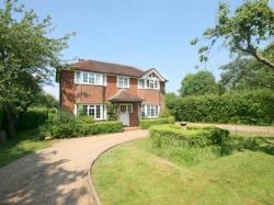 Detached House To Let  Lower Kingswood Surrey KT20