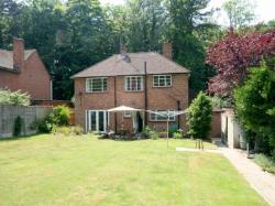 Detached House To Let  Epsom Surrey KT18