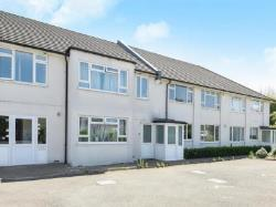 Flat To Let  Ewell Surrey KT17
