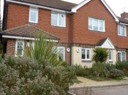 Terraced House To Let  Godalming Surrey GU8
