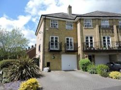 Terraced House To Let  High Wycombe Buckinghamshire HP15