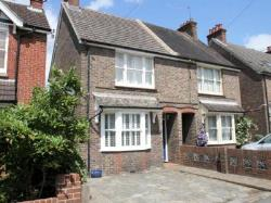 Semi Detached House To Let  Horsham West Sussex RH13