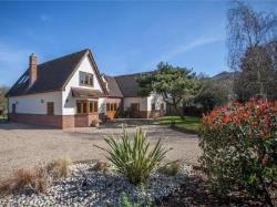 Detached House For Sale  Tolleshunt Major Essex CM9