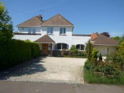 Detached House To Let  East Preston West Sussex BN16