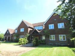Detached House To Let  Bough Beech Kent TN8
