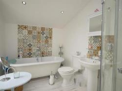Semi Detached House For Sale  Southend-On-Sea Essex SS0