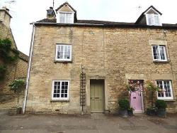 Terraced House To Let  Tetbury Gloucestershire GL8