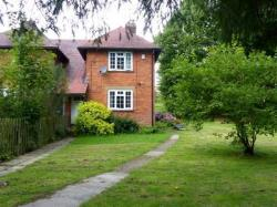 Semi Detached House To Let Gibbs Hill Wateringbury Kent ME18