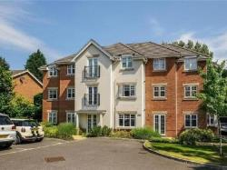Flat For Sale  Lightwater Surrey GU18