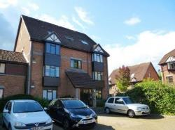 Flat To Let  Woking Surrey GU21