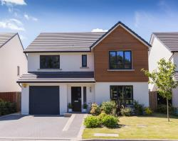 Detached House To Let  Aberdeen Aberdeenshire AB21