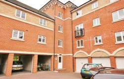 Flat For Sale  SWINDON Wiltshire SN2