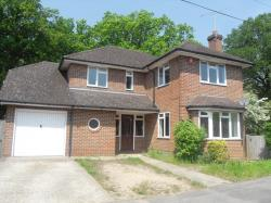 Detached House To Let  Aldershot Hampshire GU11