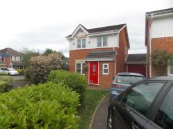 Detached House To Let  Gloster Close Surrey GU12