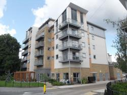 Flat To Let  Brand House Hampshire GU14