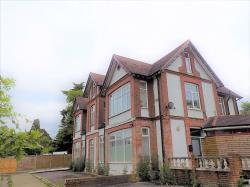 Flat To Let  Portsmouth Road Surrey GU26