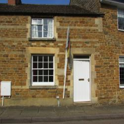 Terraced House To Let  Banbury Oxfordshire OX15