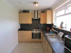 Semi Detached House To Let  Banbury Oxfordshire OX16
