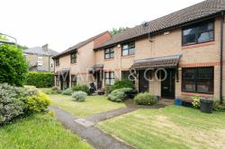 Terraced House To Let  Trafalgar Place Greater London E11