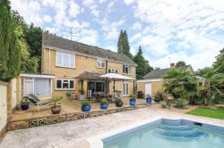 Detached House To Let  Camberley Surrey GU16