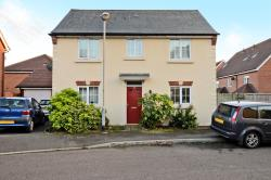 Detached House To Let  Sandhurst Berkshire GU47