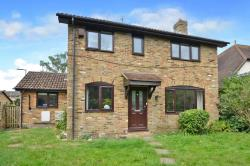 Detached House To Let  Bracknell Berkshire GU47
