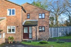 Terraced House To Let  YATELEY Hampshire GU46