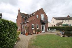Detached House To Let  Chantry Villas Essex CM3