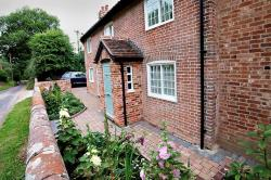 Semi Detached House To Let  Dedham Essex CO7