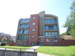 Flat To Let  Diamond Place Essex CO3