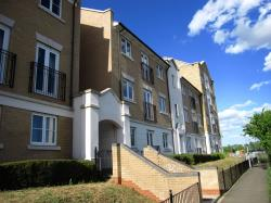 Flat To Let  Woods Court Essex CO4