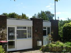 Flat To Let  Pound Hill West Sussex RH10