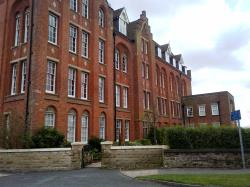 Flat To Let  College Gate Cheshire CW2