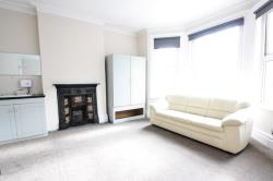 Flat To Let  St Augustines Avenue Surrey CR2