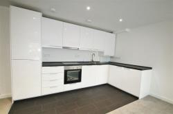 Flat To Let  Cliffe Road Surrey CR2