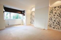 Flat To Let  Kenley Surrey CR8