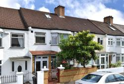 Terraced House For Sale  South Norwood Greater London SE25