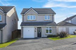 Detached House For Sale  Blairadam Crescent Fife KY4