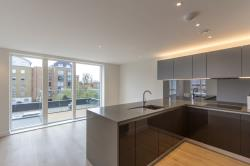 Flat To Let  Heritage Walk Middlesex TW8