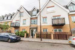 Flat To Let  Featherstone Court Middlesex UB2