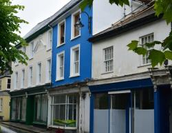 Terraced House To Let  Penryn Cornwall TR10