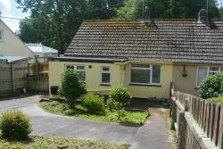 Detached Bungalow To Let  Falmouth Cornwall TR11