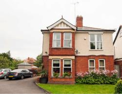 Detached House To Let Barnwood Gloucester Gloucestershire GL2