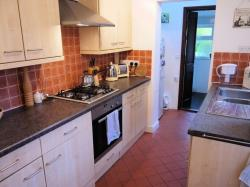 Semi Detached House To Let  Guildford Surrey GU1