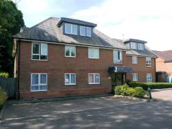 Flat To Let  Primrose Court Surrey GU4