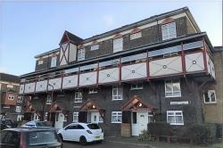 Flat To Let Kennedy Close Cheshunt Hertfordshire EN8